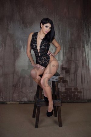 Anneline escort girl