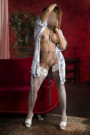 Maylou shemale escort girl